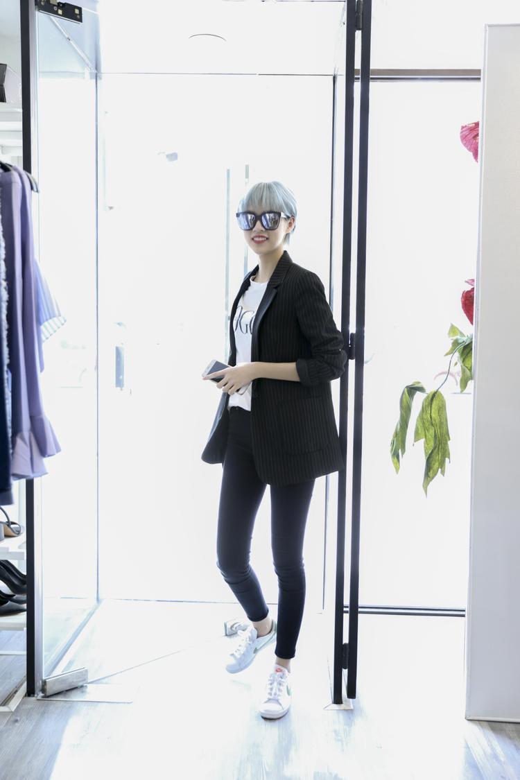 Những lý do khiến fan thời trang hóng show ra mắt BST của Angela Phương Trinh