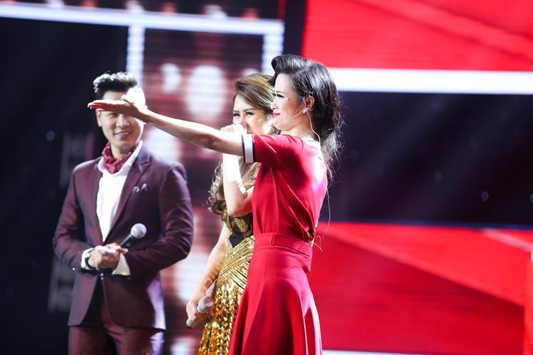 Thu Minh bật khóc nức nở chia tay Mỹ Linh để chọn giọng ca phi giới tính Tùng Anh