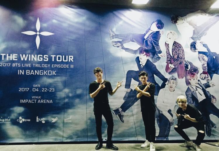 Trưởng nhóm Nicky chia sẻ anh là fan cuồng của BTS.