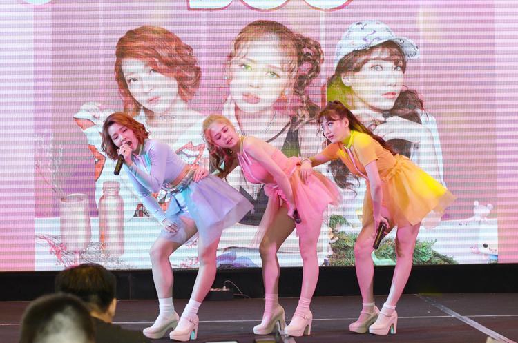 Tại Hàn Quốc, Lime cũng liên tiếp phát hành các single: Toc Toc Toc, Take It Slow, Part Of Me trên trang nghe nhạc trực tuyến lớn nhất Hàn Quốc - MelOn.
