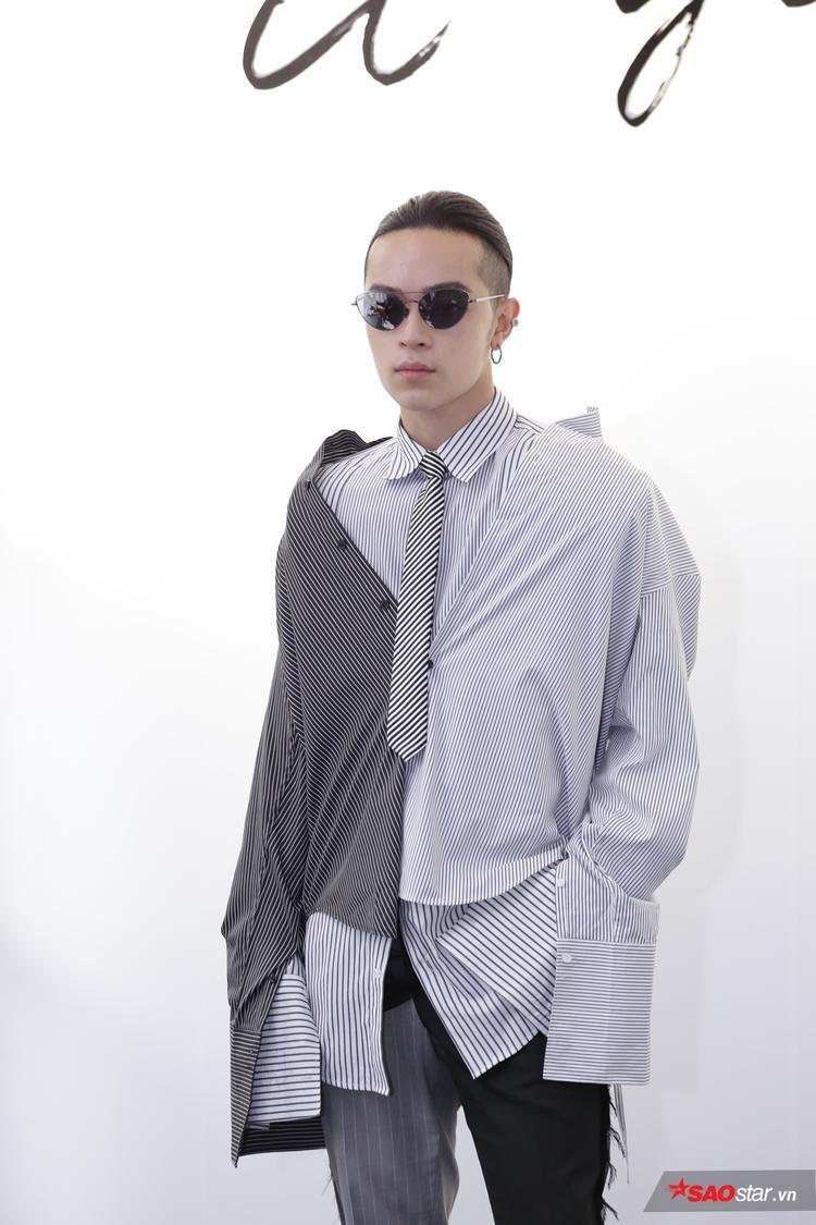 Stylist Kelbin Lei quả là táo bạo với cách mix đồ layer giữa những chiếc áo sơ mi.