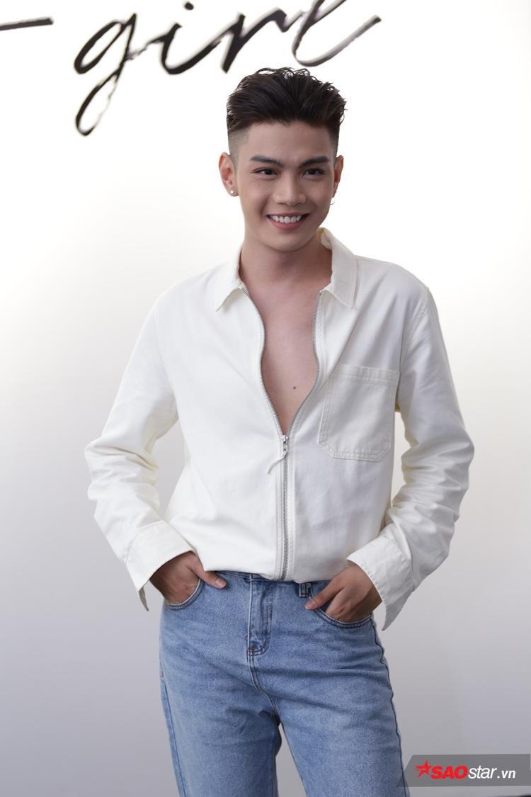 Dù dừng chân sớm ở cuộc thi Sing My Song 2016, nhưng Đào Bá Lộc vẫn là cái tên gây được nhiều sự chú ý ngoài giọng ca là style thời trang đời thường của anh.