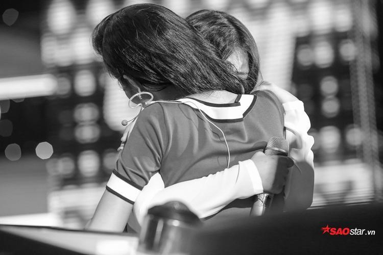 Han Sara về đội Đông Nhi trong sự hạnh phúc của fan hâm mộ.