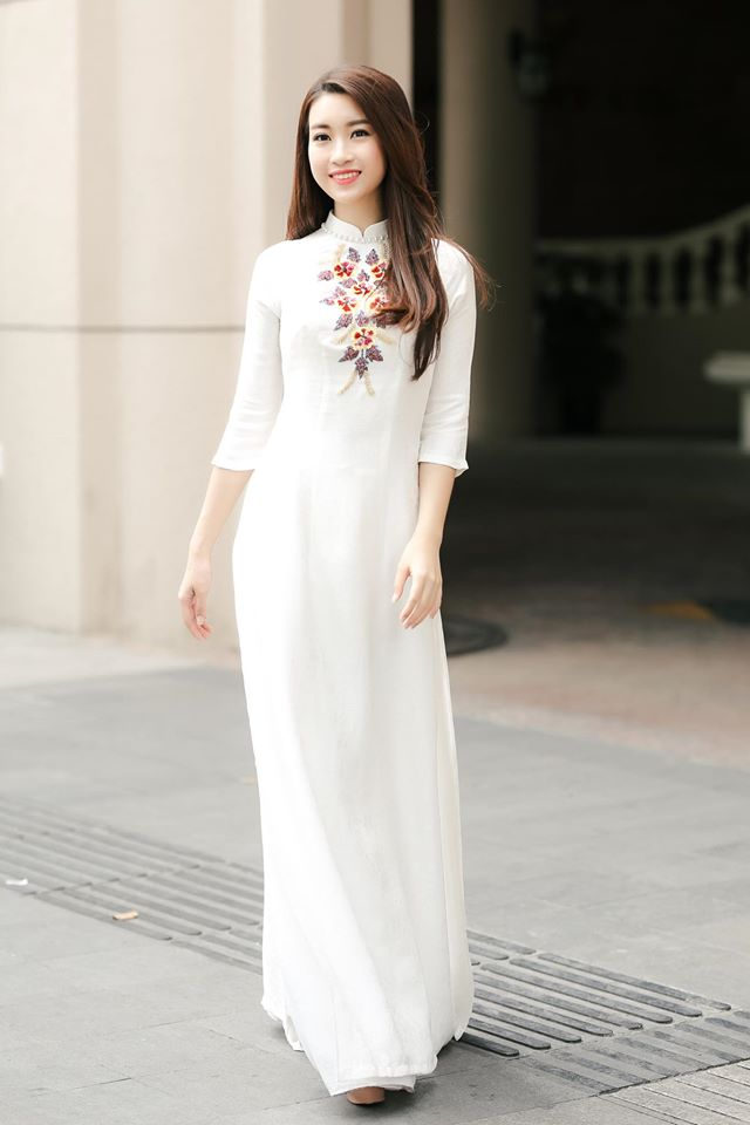 Người đẹp đầy duyên dáng trong tà áo dài…