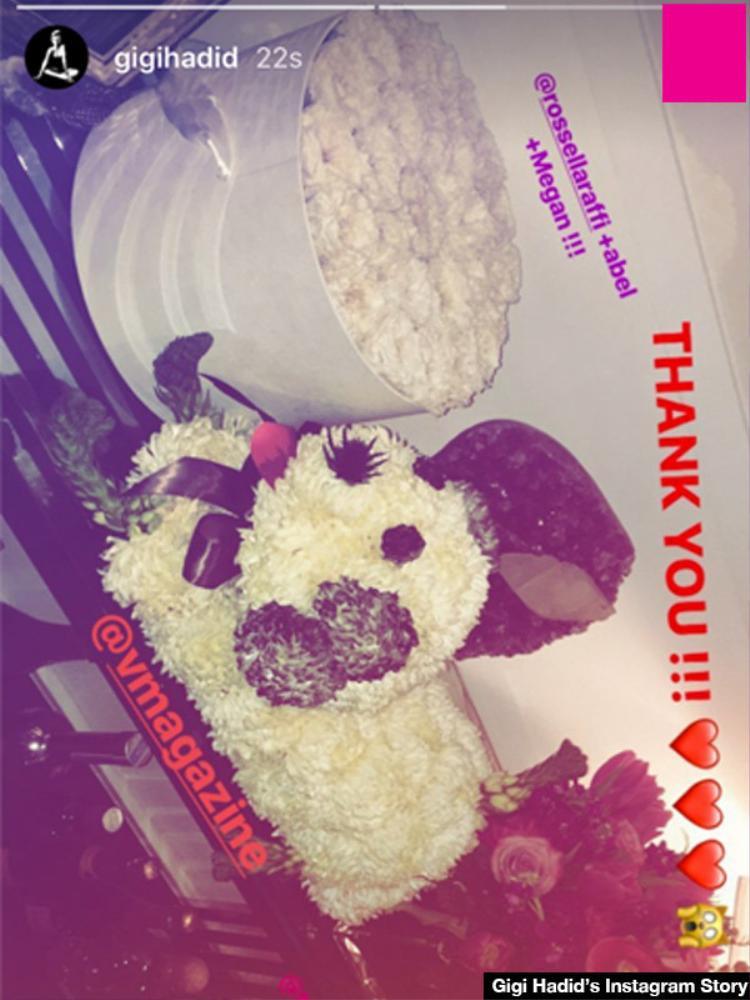Quà từ The Weeknd - bạn trai cũ của Bella Hadid.