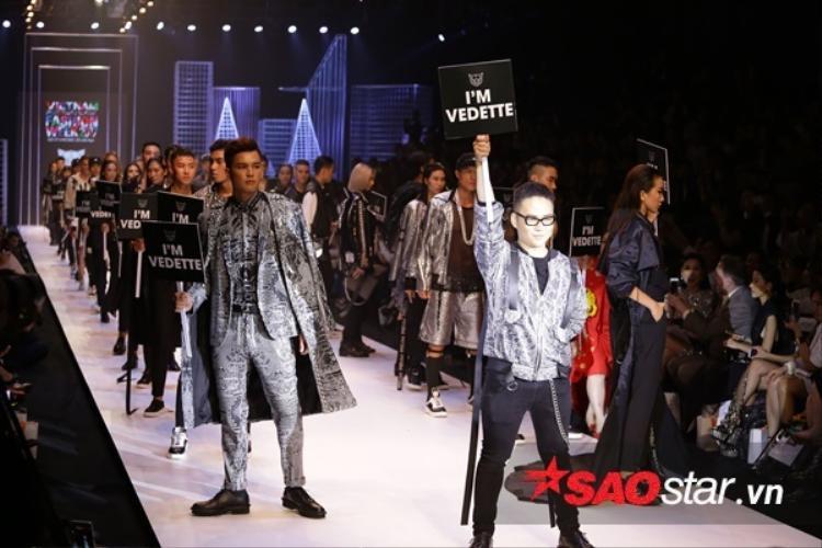 """Chung Thanh Phong cùng dàn người mẫu của mình mang đến khán giả sự nhìn nhận về cuộc sống thông qua khẩu hiệu """"I'm vedette""""."""