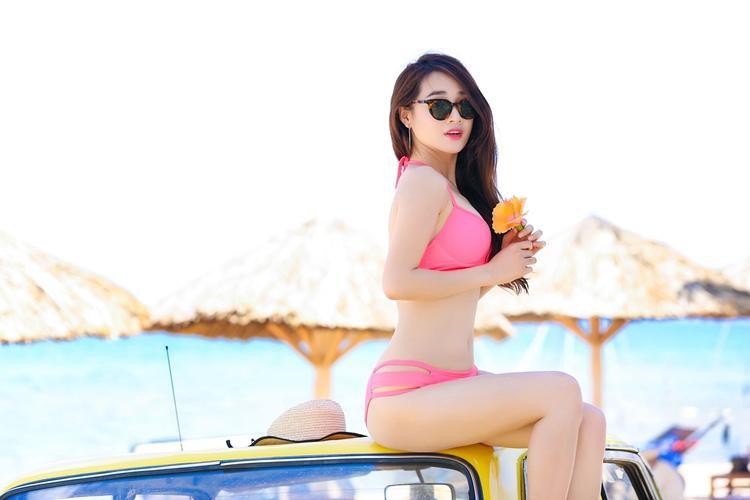 Sau thành công của Tuổi thanh xuân 1 & 2, Nhã Phương là cái tên đang được nhiều nhãn hàng săn đón quảng cáo.Nữ diễn viên cho biết, hiện giờ cô nhận được nhiều lời mời phim nhưng vẫn chờ đợi một vai diễn đột phá.
