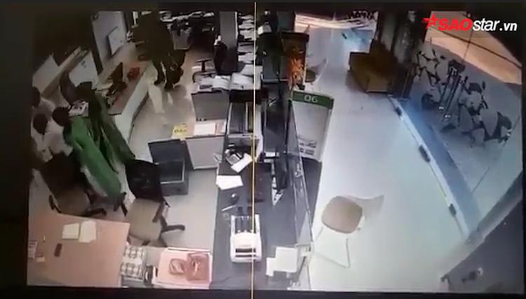 Clip lộ diện chân dung kẻ cướp ngân hàng táo bạo ở Trà Vinh