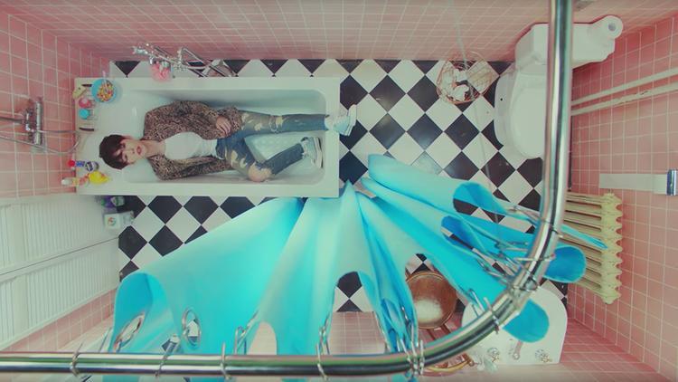 7 ý tưởng MV Kpop độc  lạ khiến bạn phải trầm trồ trong nửa thập kỉ qua