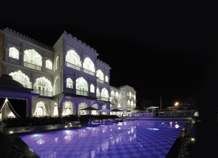 Toàn cảnh lâu đài trắng Tajmasago đầy mê hoặc về đêm. Nơi đem đến cho bạn những trải nghiệm đắt giá chưa từng có.