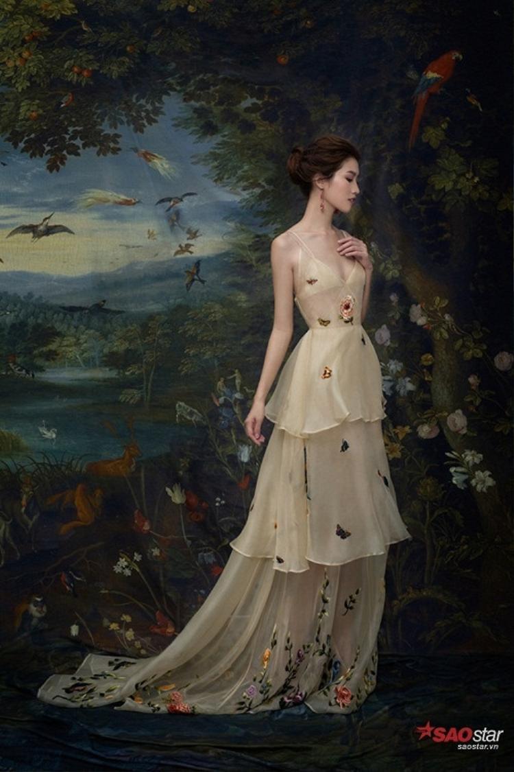 Cận cảnh chiếc váy giống với thiết kế của 21SIX