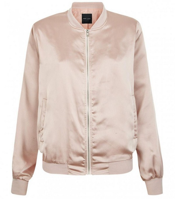 Satin Bomber màu nude | New Look /Miss Selfigde