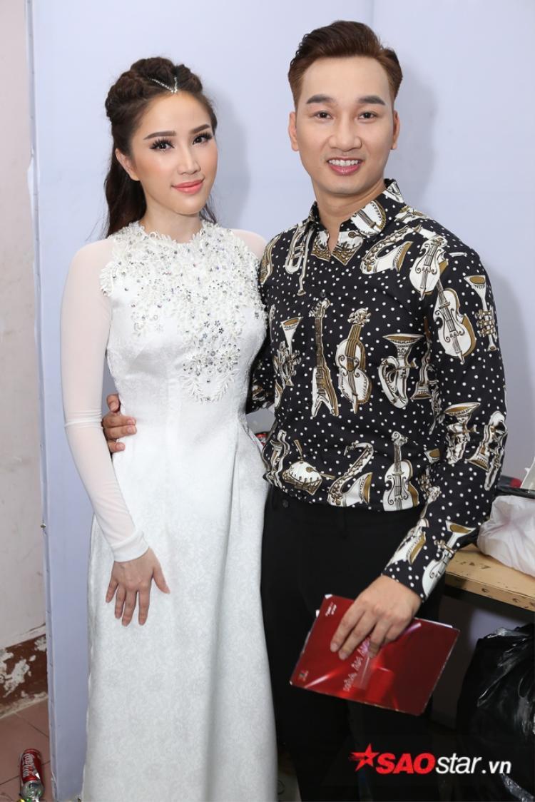 Bảo Thy cũng nhận được những lời động viên tinh thần từ giám khảo/nhạc sĩ Lưu Thiên Hương và MC Thành Trung.