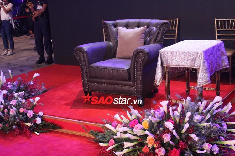 Cận cảnh chỗ ngồi của công chúa Thái.