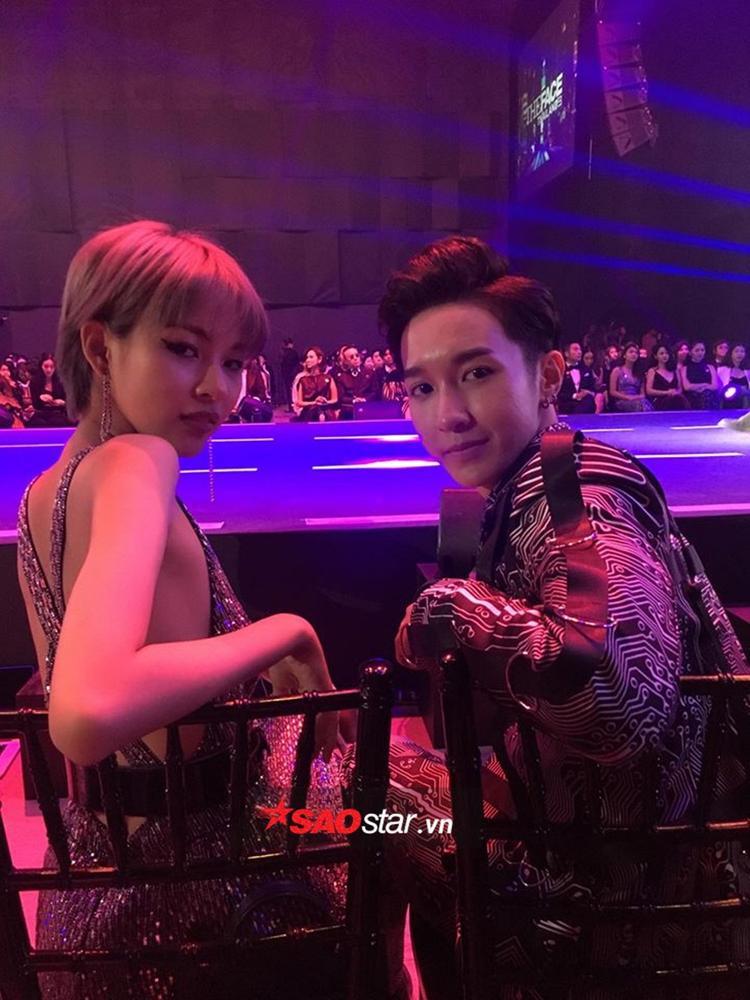Phí Phương Anh và Key tại khu vực VIP