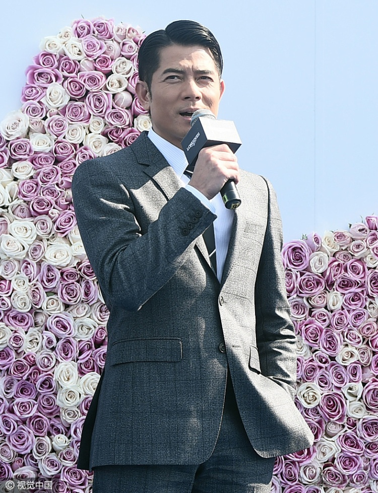 Xuất hiện bảnh bao sau lễ cưới, Quách Phú Thành tiết lộ thật hư chuyện cưới chạy bầu
