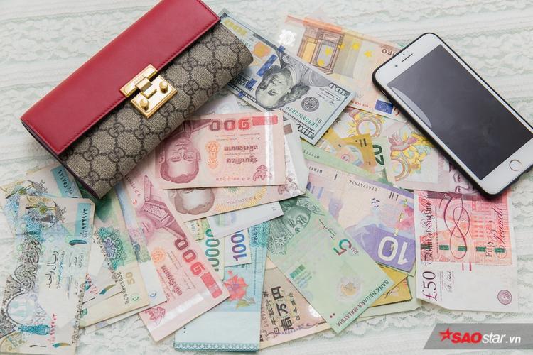 Việt My có sở thích sưu tập tiền giấy của mỗi quốc gia trên Thế giới.