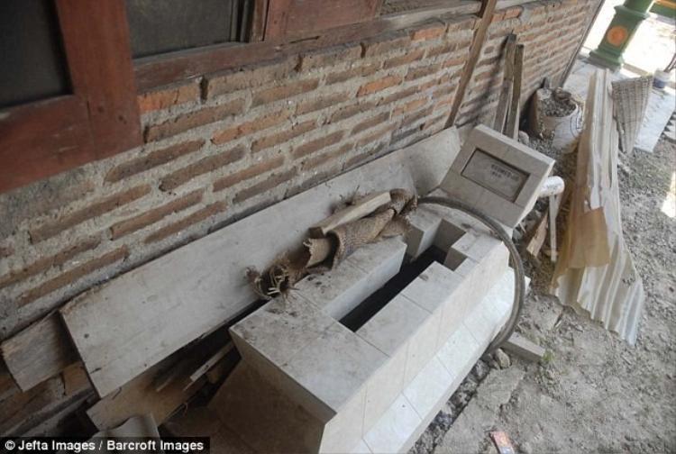 Đây là phần mộ mà cụ Mbah Gotho đã chuẩn bị sẵn cho mình từ hơn 20 năm trước