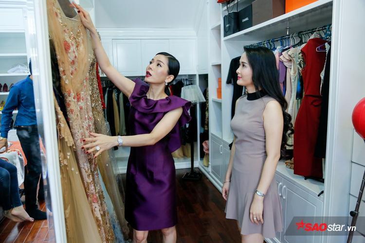 Song ca cùng Mạnh Đồng điển trai, Xuân Hương được tư vấn lựa chọn trang phục dạ hội lấp lánh để cả hai xứng đôi trên sân khấu.