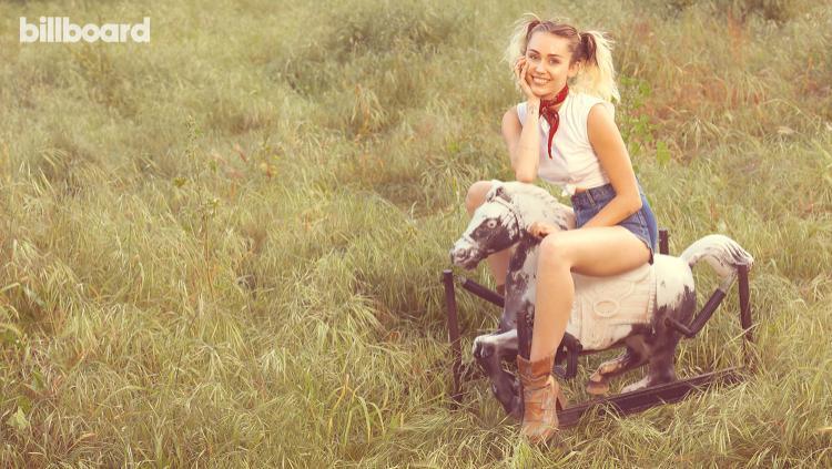 Miley trên bìa tạp chí Billboard, phỏng vấn cho lần trở lại của mình.