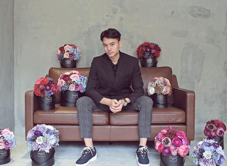 Bộ ảnh mới của Anh Dũng được thực hiện bởi nhiếp ảnh Lê Hiếu, stylist Quang Minh Trần, make up and hair Kyo Phan.