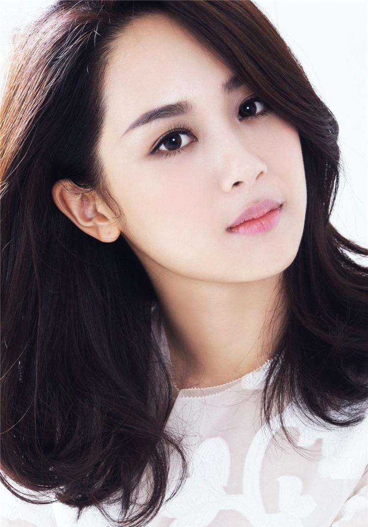 Dương Tử đóng phim từ lúc cô mới lên 5 tuổi.