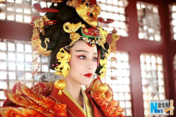 """Hình ảnh gốc với vẻđẹp sắc sảo của cô trong bộ phim từng gây sốt tại châu Á """"Võ Mị Nương truyền kỳ""""."""