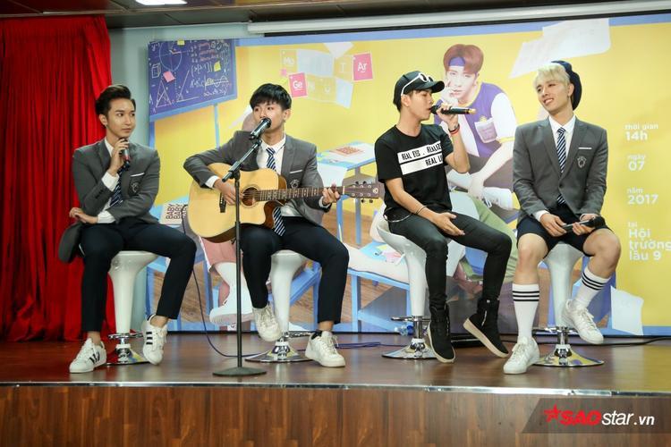 Lou Hoàng còn tham gia hát song ca với MONSTAR bản mashup Love Rain - Mình là gì của nhau.