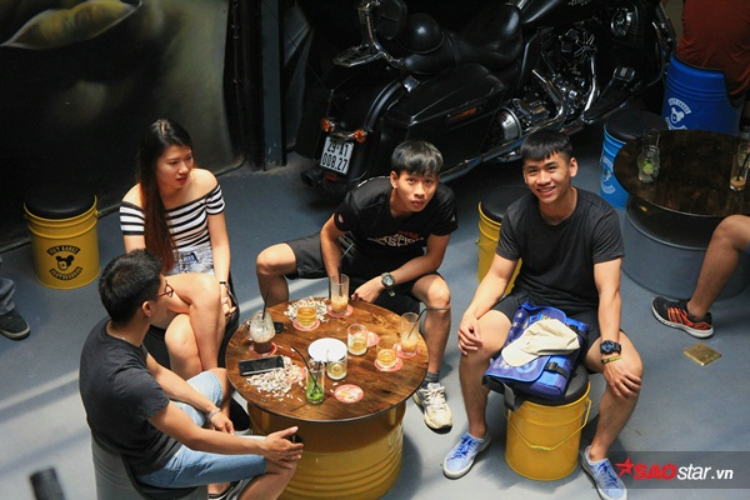 Ngay trong ngày đầu tiên mở cửa ra mắt, đã có hàng trăm bạn trẻ đến ghé thăm VietGangz Brotherhood.