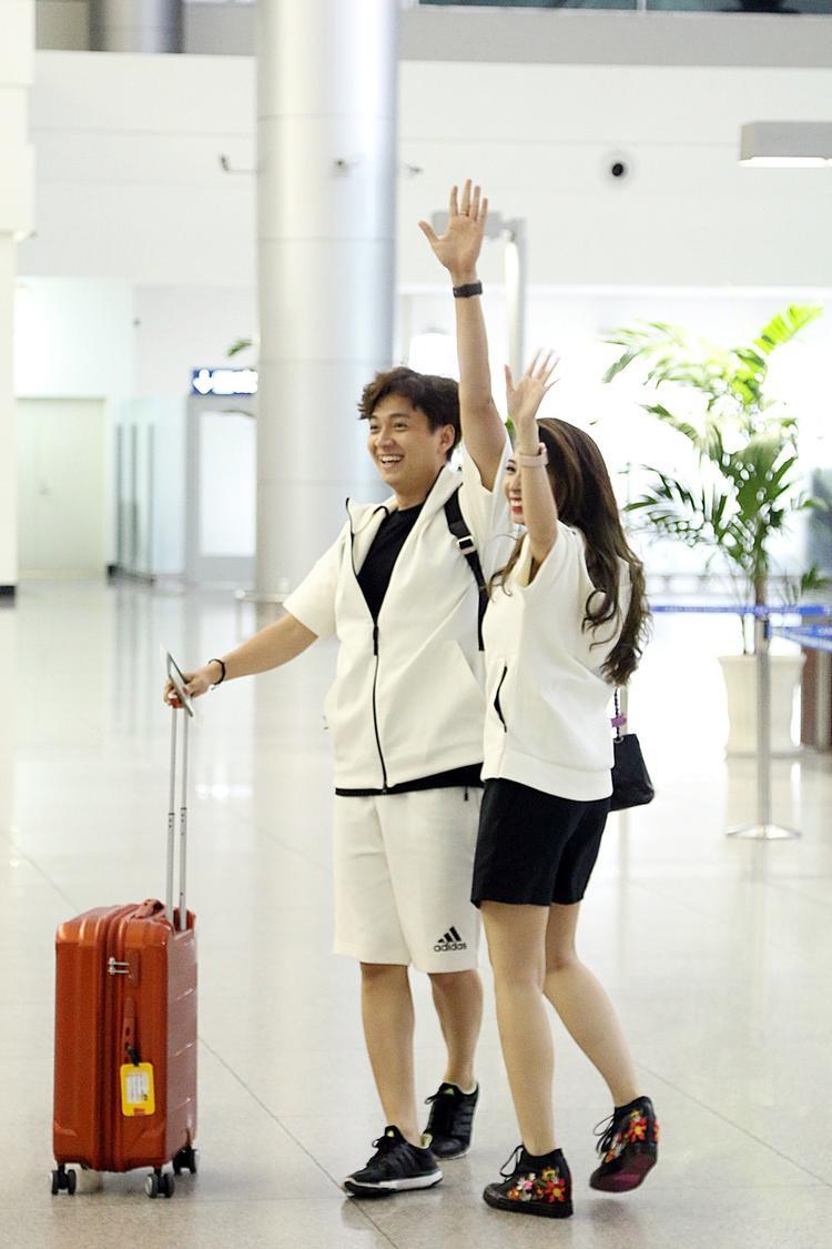 MV Yêu không đường lui dự kiến ra mắt vào cuối tháng 5. Bên cạnh đó, Ngô Kiến Huy cũng cho biết năm nay anh dự định ra mắt 5 video ca nhạc khác nhau để có sự trở lại mạnh mẽ hơn ở lĩnh vực âm nhạc.