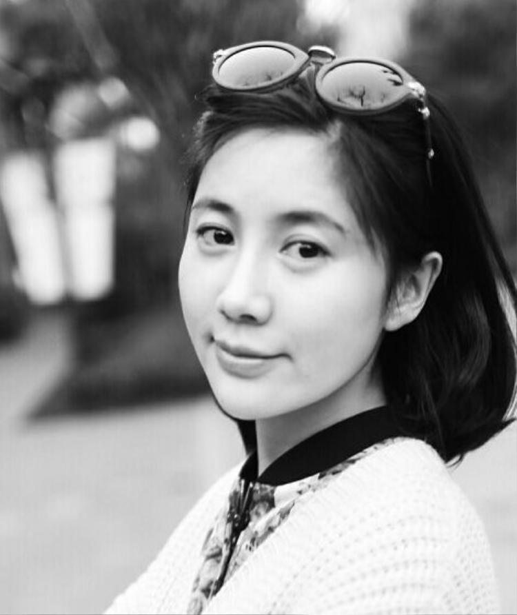 Vương Vũ Hinh sinh năm 1986, cô đã là mẹ đơn thân.