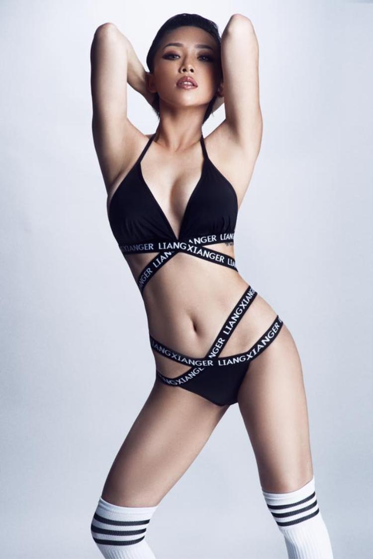 Vốn nổi tiếng là một nữ ca sĩ thẳng tính, phản ứng dữ dội của Tóc Tiên không khiến nhiều người bất ngờ.