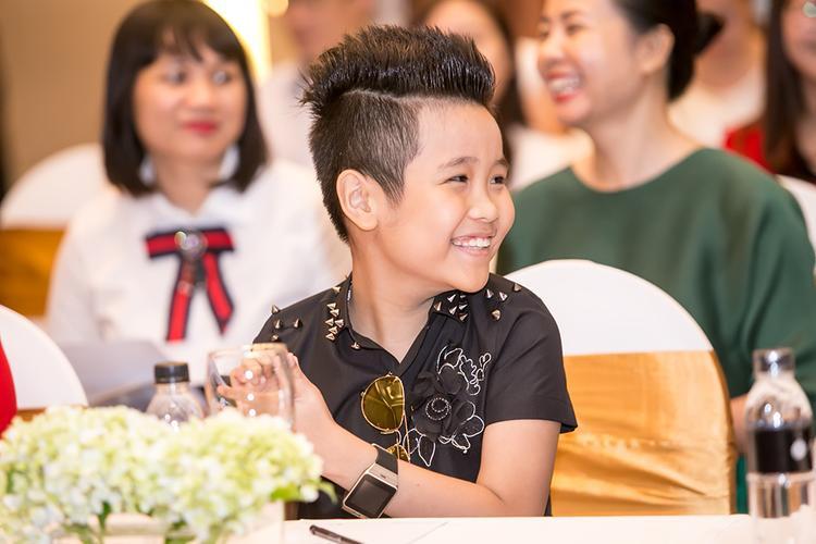 Nhật Minh ngày càng trưởng thành hơn sau cuộc thi Giọng hát Việt nhí 2016.