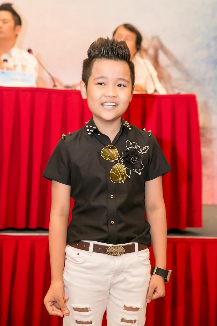 Được khán giả biết đến với vị trí quán quân của Giọng hát Việt nhí 2016, Nhật Minh sở hữu chất giọng khỏe và cách nhả chữ khi hát điêu luyện. Dù mới chỉ 10 tuổi nhưng Nhật Minh có thể hát được hầu hết các loại nhạc và chơi được nhiều loại nhạc cụ.