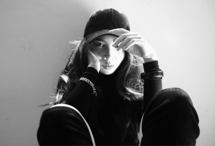Sở dĩ Yến Trang phát hành ngay MV Lyrics của ca khúc này vì hiệu ứng nhận được từ khán giả khá tích cực.
