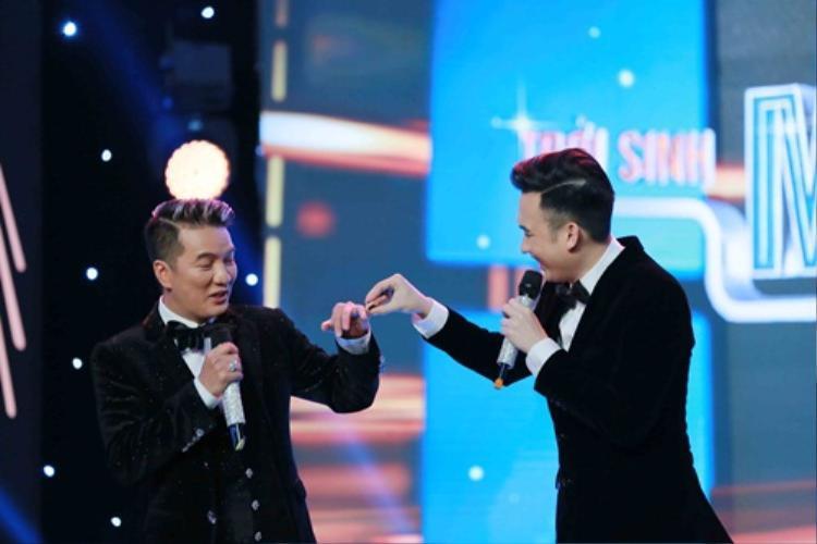 Mối quan hệ giữa Đàm Vĩnh Hưng và Dương Triệu Vũ luôn là dấu hỏi lớn của khán giả.