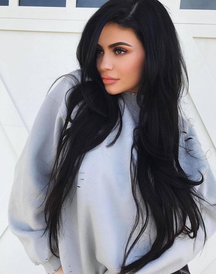 Ở tuổi 19, Kylie Jenner đã mua căn nhà thứ ba trên khu đất vàng ở Los Angeles