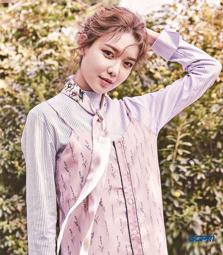 Mùa hè rực rỡ của SNSD Sooyoung đã chính thức bắt đầu: 3 vai nữ chính đang xếp hàng chờ đợi
