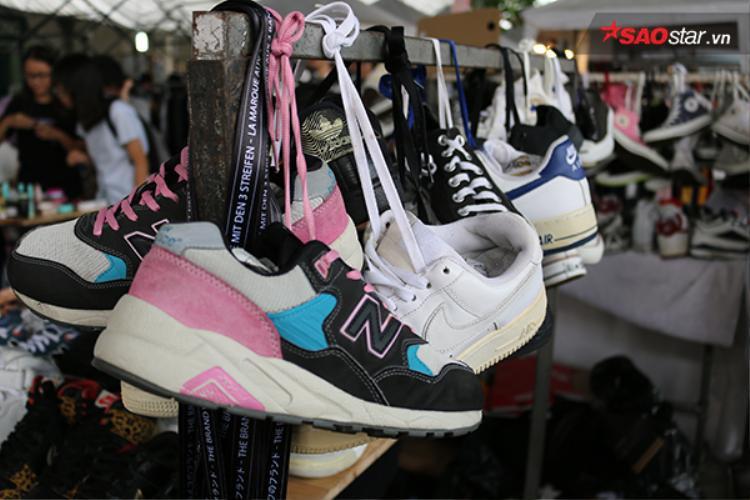 Bạn có quá nhiều giày? Hãy đến Lozi Garage Sale để bán giày nhé!