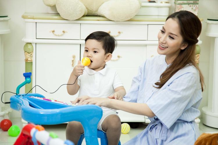 Con trai là nguồn cảm hứng to lớn trong cuộc sống của Khánh Thi.