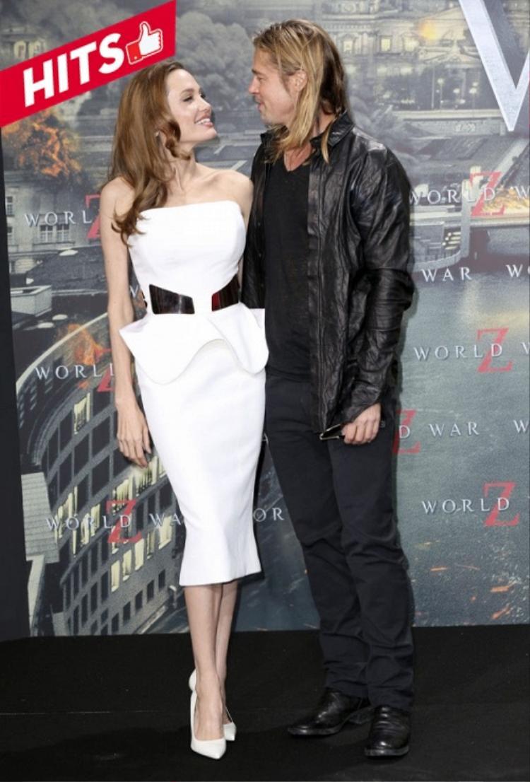 Angelina Jolie chưa khi nào khiến người hâm mộ ngừng quan tâm tới đời sống cũng như style của cô ở bất kỳ nơi đâu cô hiện hữu. Dù hàn gắn hay đường ai nấy đi với Brad Pitt thì cô vẫn đẹp và sang chảnh như mọi khi.