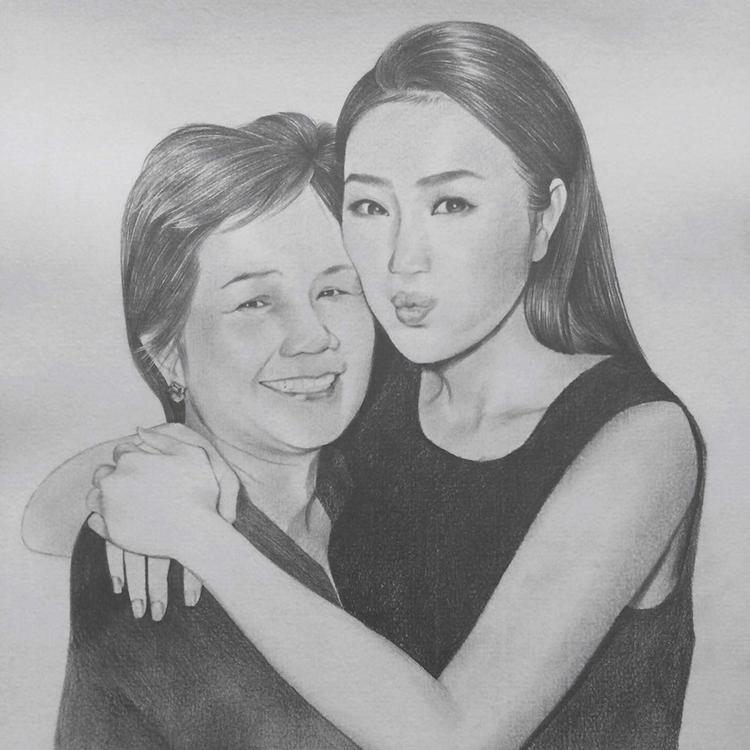 Bảo Thy khoe bức ảnh được fan vẽ hai mẹ con trên Facebook cá nhân.