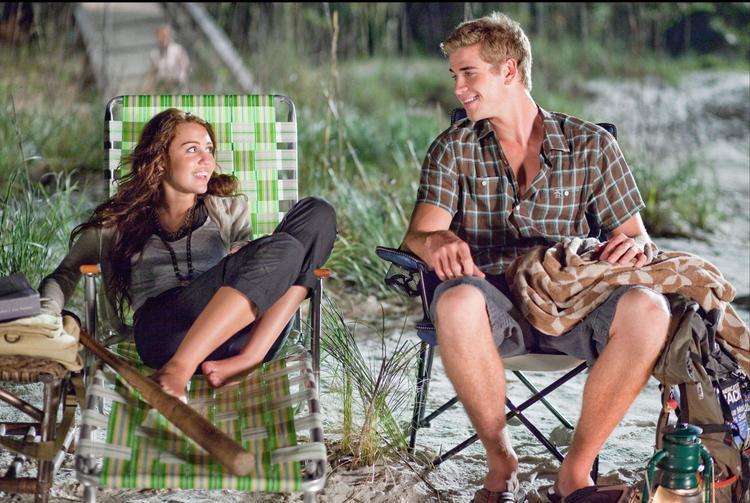 Hình ảnh Liam Hemsworth và Miley Cyrus trong phim The Last Song.