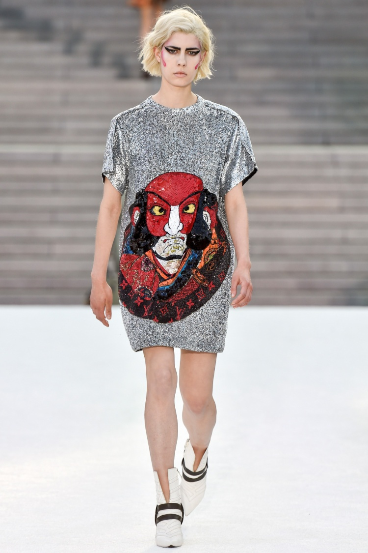 Nhân vật trong loại hình sân khấu Kabuki trở thành linh hồn của sàn diễn thời trang.