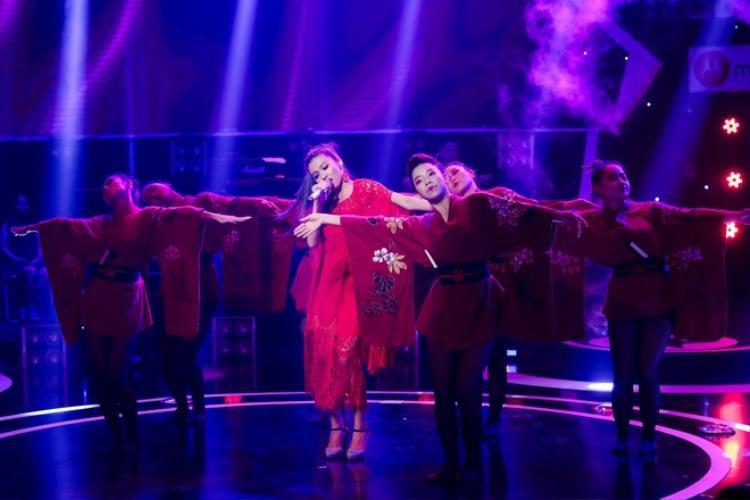 Liên tục được các thí sinh chọn để biểu diễn trong thời gian gần đây, Lạc trôi xứng đáng nhận thêm danh hiệu bài xuất hiện trên các gameshow truyền hình nhiều nhất.