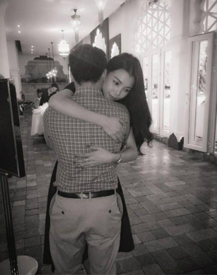 Trà Ngọc Hằng tình cảm bên bạn trai thuở còn mặn nồng.