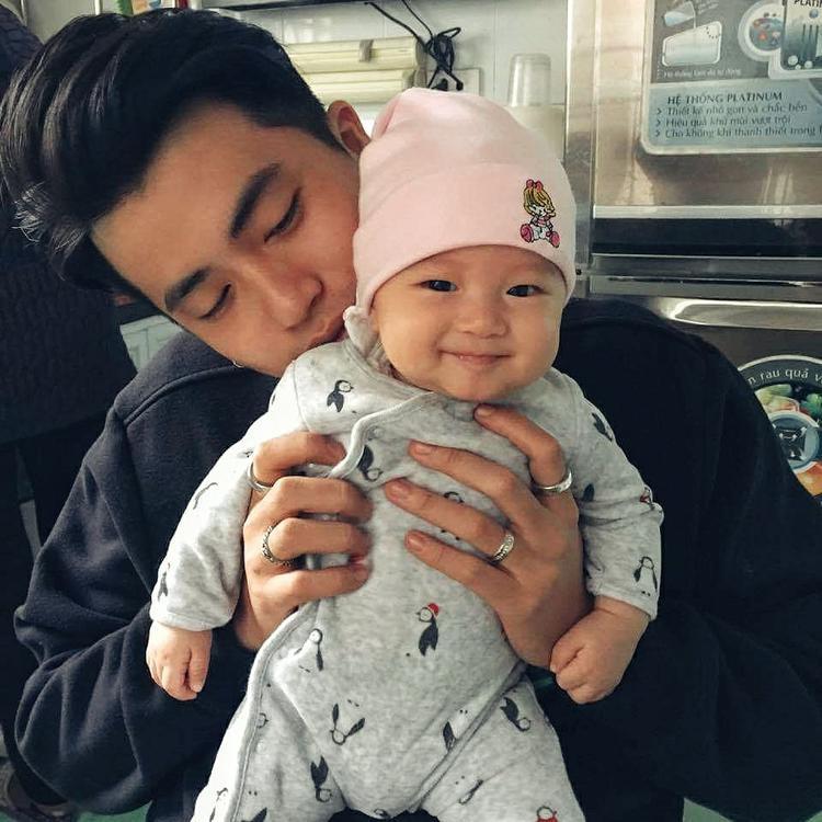 Bé Chloe - con gái đáng yêu của Kiên Ứng và Thanh Huyền.