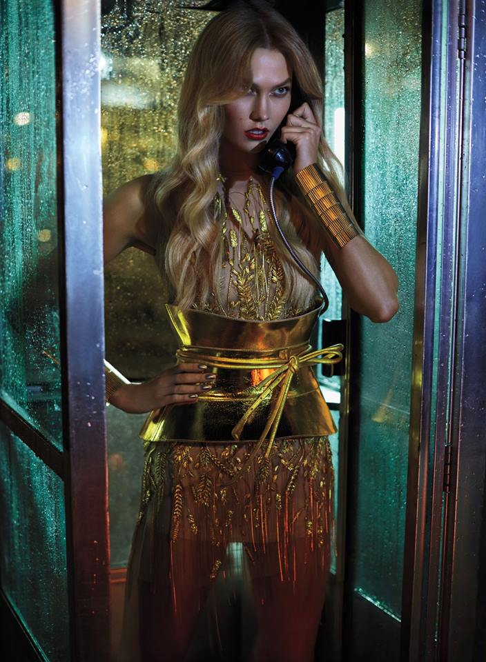 """Hello? It's me, Super Karlie !""."