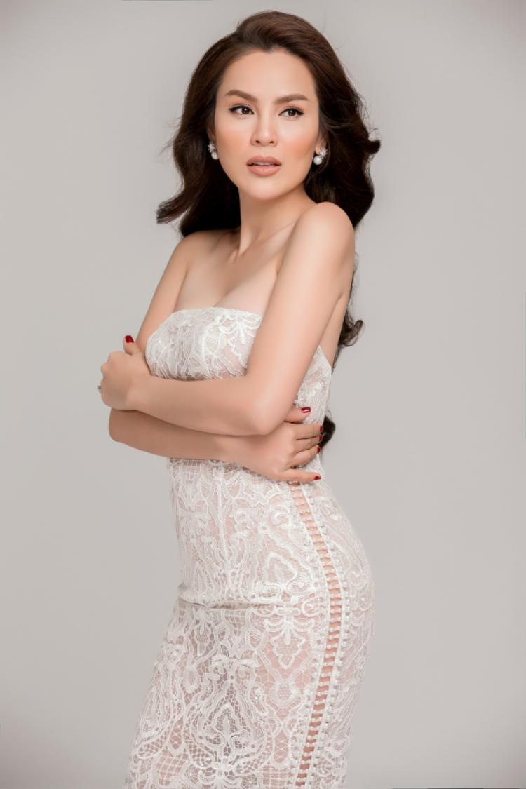 Thành công sau giảm cân đã mang đến cho người đẹp một sắc vóc tuyệt vời, khiến nhiều người không khỏi khâm phục và ngưỡng mộ chị.