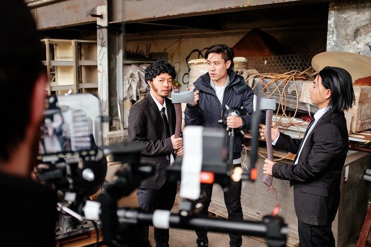 Các cảnh quay trong MV đều được thực hiện tại Hong Kong.